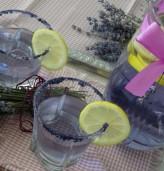 Лавандулова лимонада, която се бори със стреса и главоболието