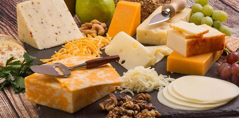 От днес имитациите на млечни продукти трябва да се предлагат на отделни щандове и да са обозначени
