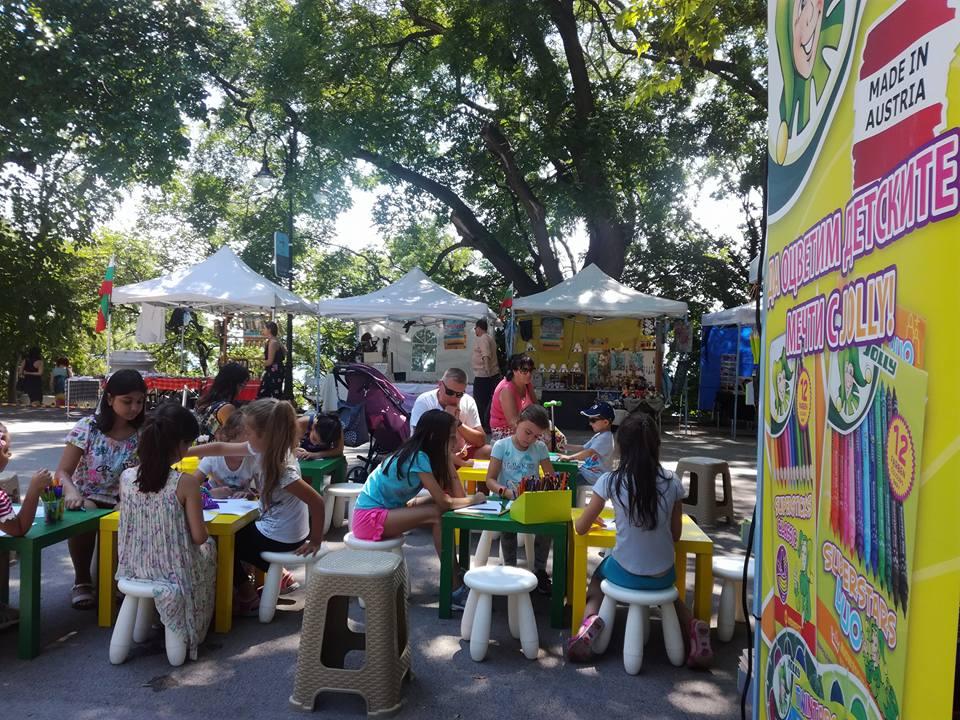 """Безплатни тренировки по зумба, пилатес и Медитация с тибетски звънкови купи ще радват варненци на арт фестивала """"Сръчко"""""""