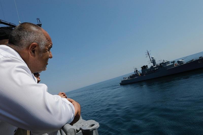 """Премиерът Борисов във Варна: """"Българските пожарникари са герои, заслужават много уважение"""""""