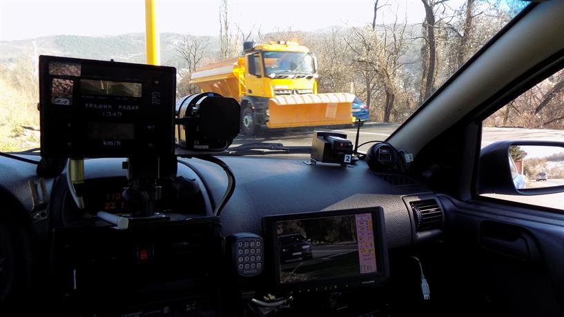Започват засилени проверки по пътищата за скоростта на шофьорите