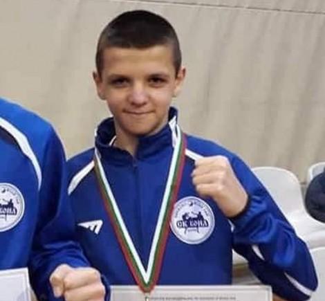Събират средства за пострадало при катастрофа момче от Варна