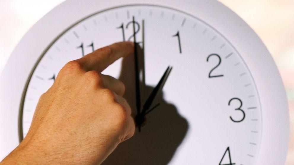 Утре местим стрелките на часовниците