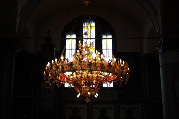 Дезинфекцират православните храмове за Великден