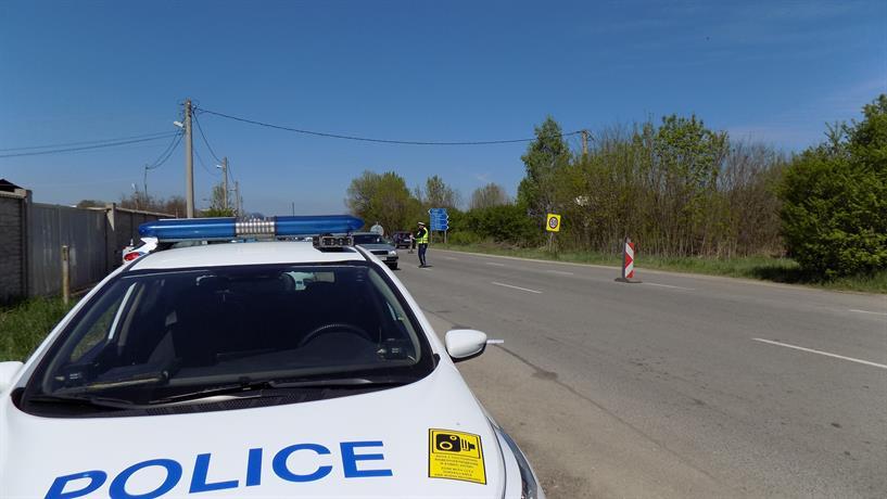 Работата на полицейските екипи по контрол на спазването на противоепидемичните мерки продължава