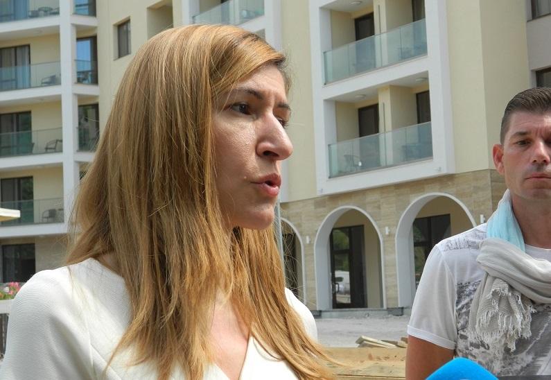 Министър Ангелкова ще проведе работнa срещa с представители на туристическия бизнес от областите Варна и Добрич