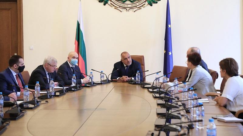 Министър-председателят Борисов разпореди организация за отварянето на големите търговски обекти тип мол