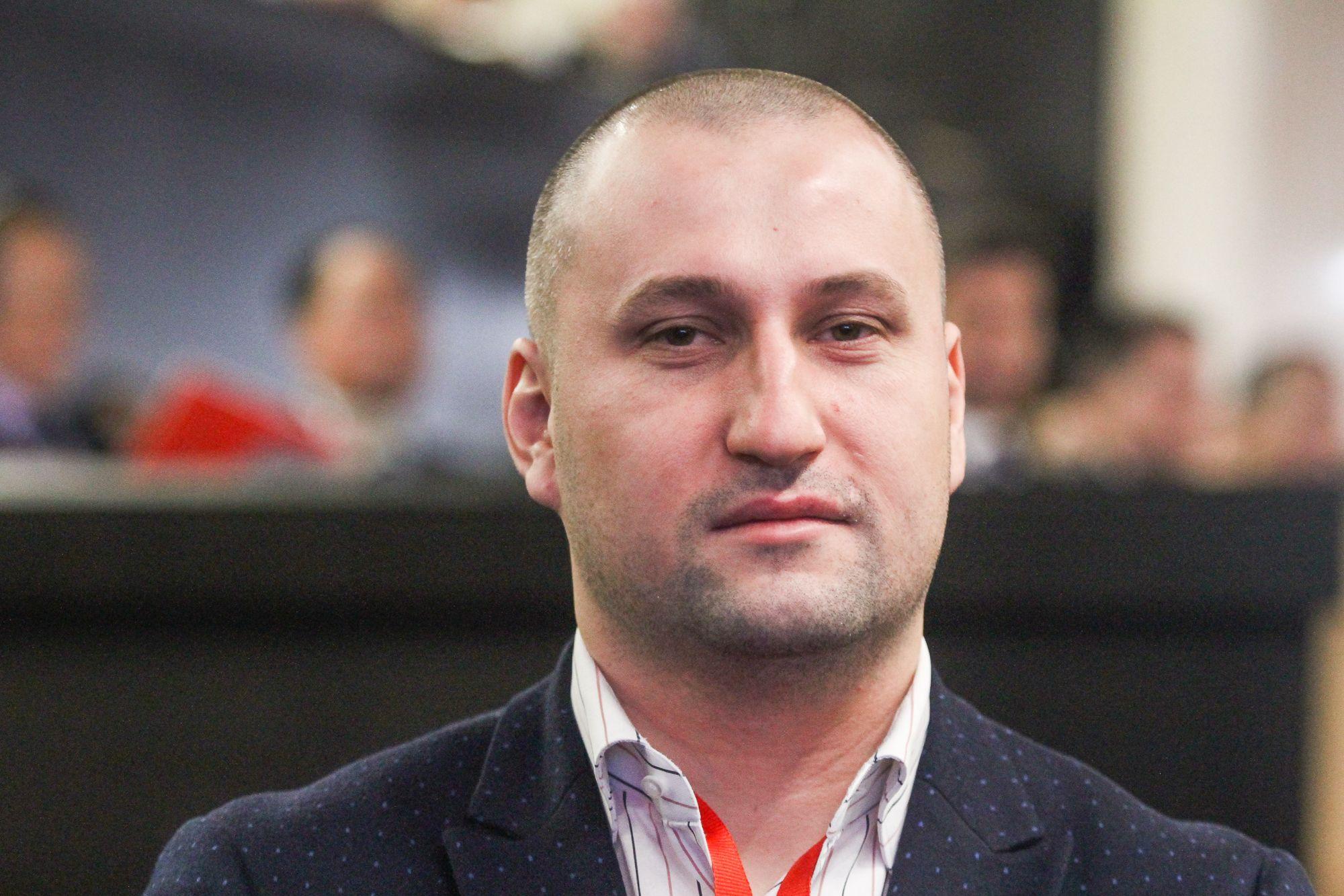 Лало Кирилов: Кабинетът трябва да подаде оставка, за да влязат институциите в ролята си