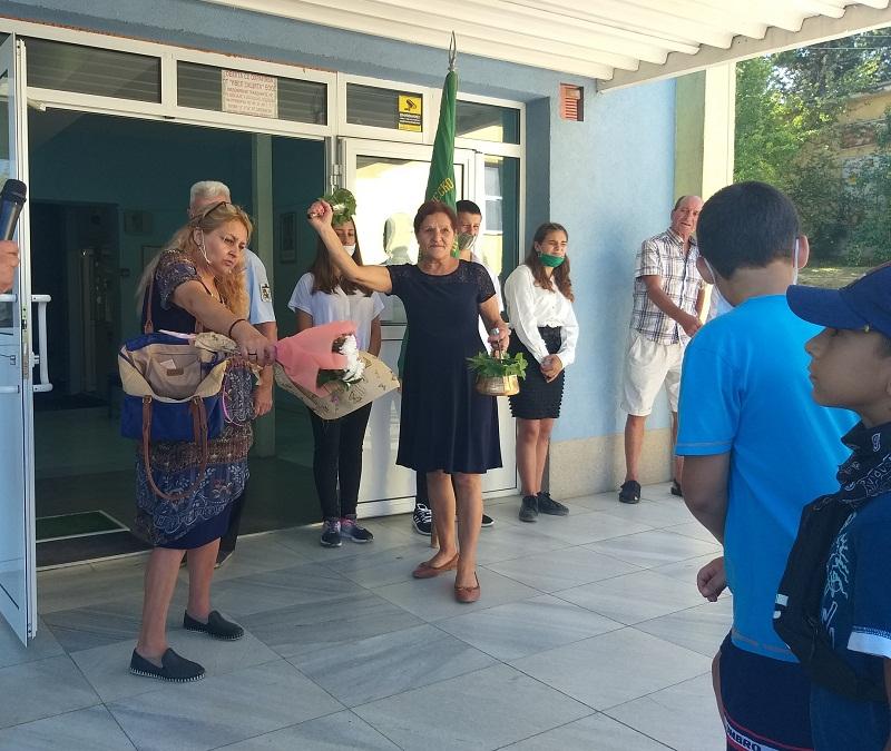 Официално откриха учебната година в училището за шампиони в Добрич