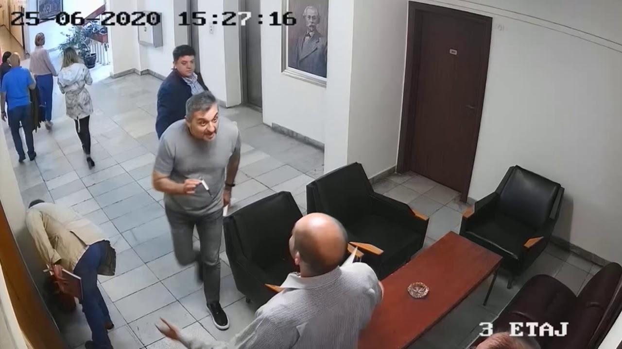 Евгений Белий съди налетелият го с юмруци Кирил Добрев