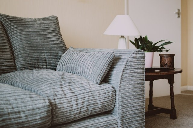Практични съвети при покупка на диван