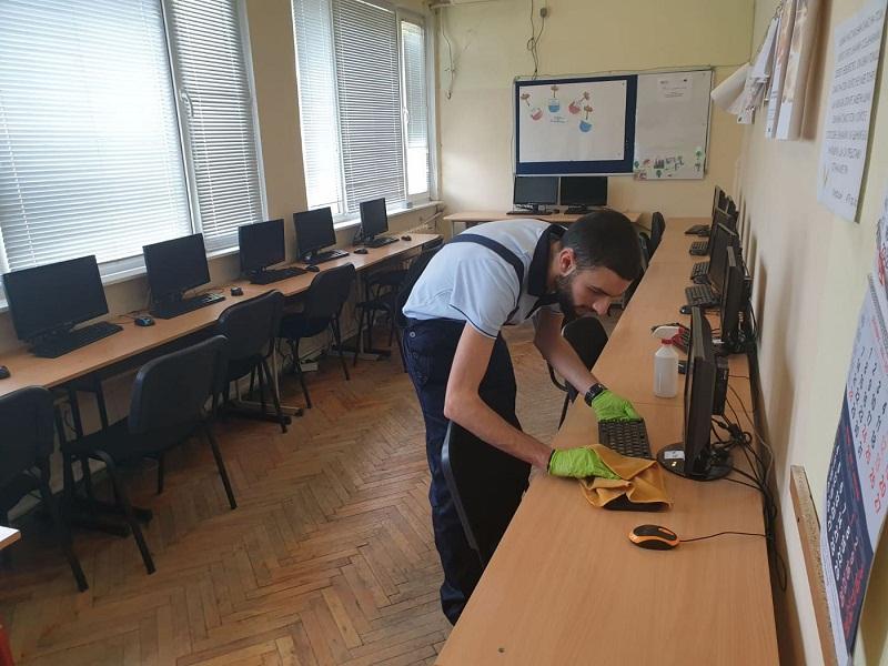 Детските градини и училища във Варна се превръщат в зона защитена от вируси след третирането с уникален нано препарат
