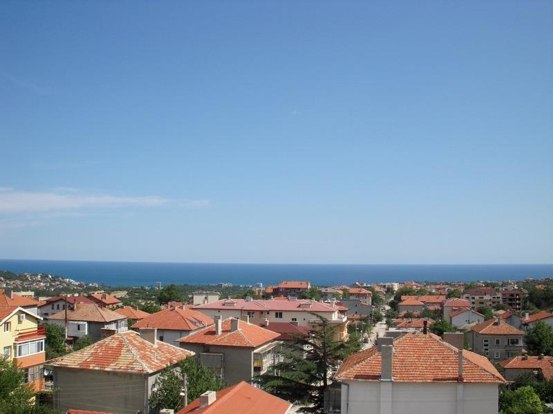 На 20 април 1975 г. Виница става квартал на Варна