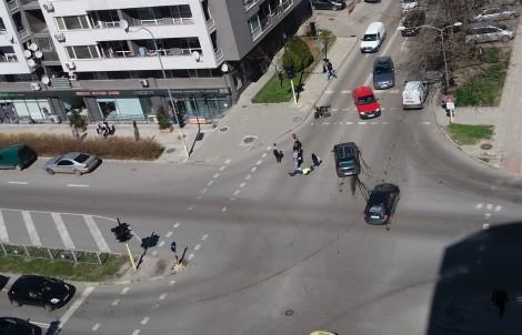 """Шофьорка отнесе моторист на кръстовището на бул. """"Цар Освободител"""" във Варна"""