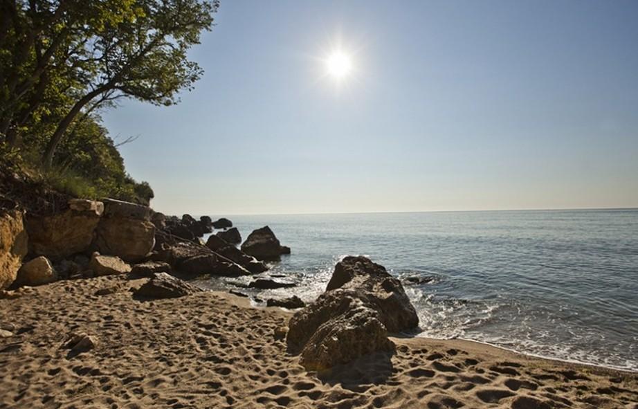 Освежават летните ученически бази по морето