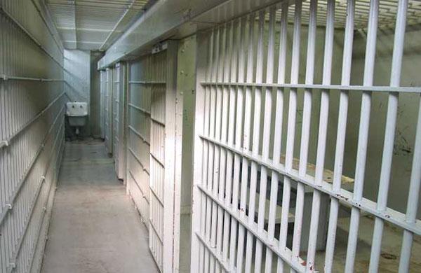 Младеж, трошил и обирал коли на пияна глава във Варна, отива в затвора
