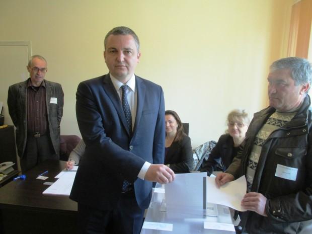 Иван Портних: От всеки един от нас зависи утрешния ден на Варна, на България