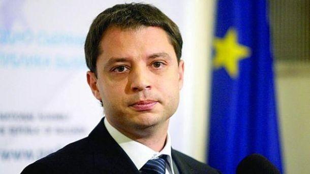 Не приеха оставката на Делян Добрев