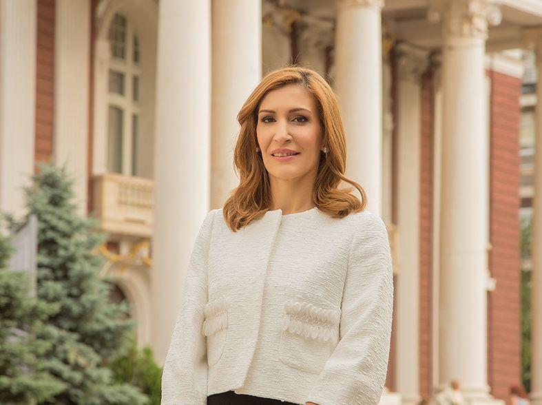 Министър Ангелкова: На срещи в Москва вече подготвяме лято 2018
