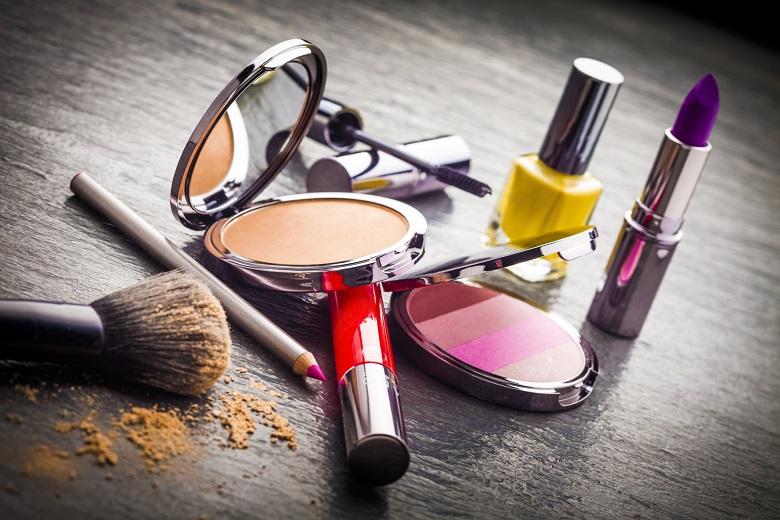 Фалшива козметика залива интернет и магазините
