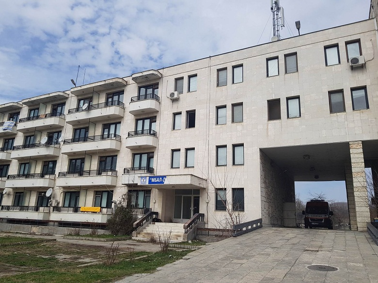 Девня предоставя на МЗ част от първия етаж на болницата