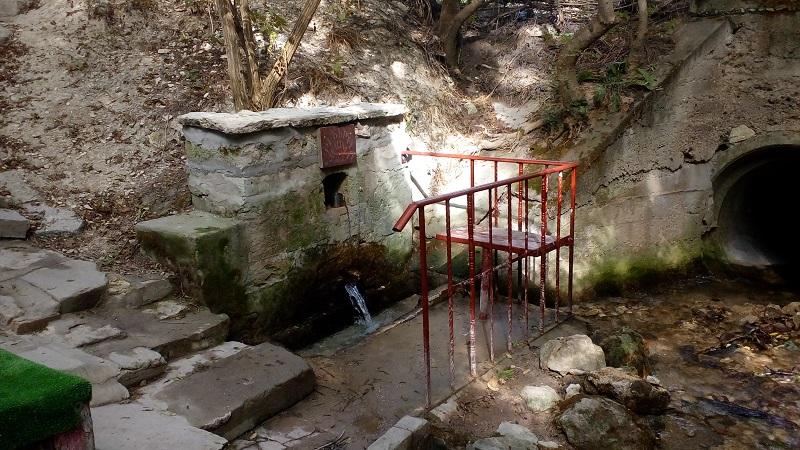 С вода от Сребърната чешма в Каварна се е произвеждала мастика в Цариград